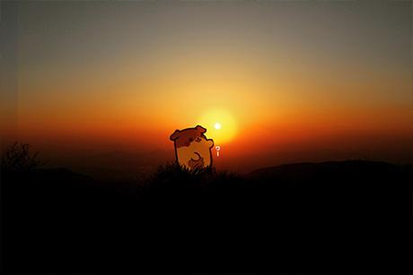 山頂で夕陽つかまえた